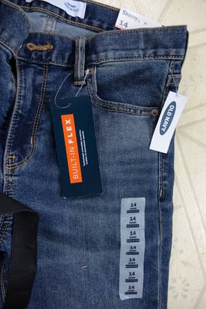 Photo Gap Jeans Size 14 Skinny  BRAND NEW - $10 (cadott-eau claire, wi)