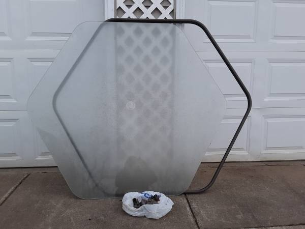Photo Glass patio table top - $15 (Downsville)