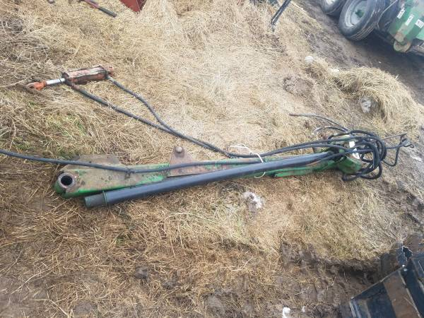 Photo John Deere 1219 haybine pole - $150 (Stanley, WI)