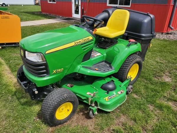 Photo John Deere X740 Diesel Lawnmower - $8,500 (Rice Lake)