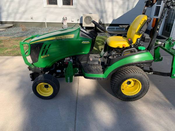 Photo John Deere deer with accessories 1025r 1025 r with 60mower, snowblower, front - $17,500