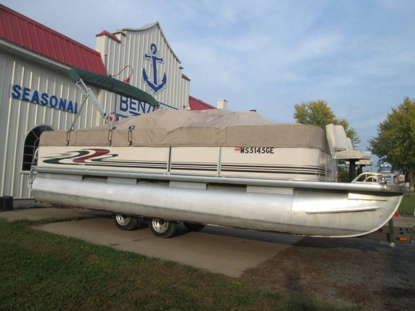 Photo Pontoon Boat with 50hp Four Stroke - $5,995 (Cumberland, WI)