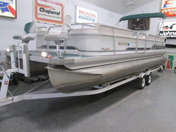 Photo Pontoon Boat with 90HP and Trailer - $8,000 (Cumberland, WI)