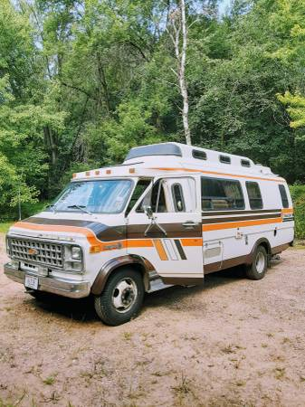 Photo RV-Chevy TravelCraft Wide-Body Van - $10,000 (EAU CLAIRE)