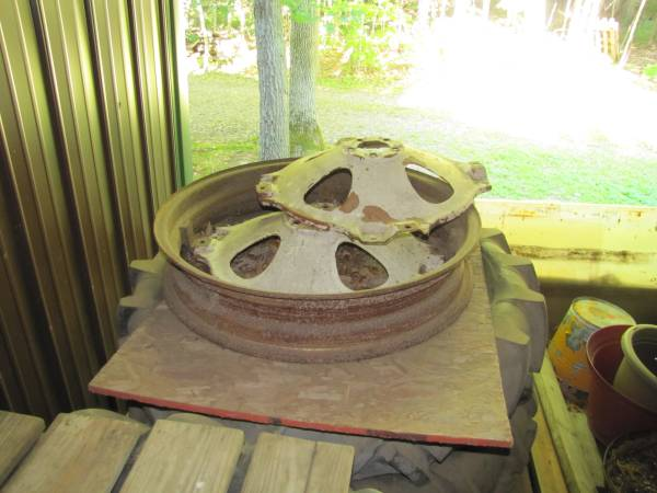 Photo Rim and centers for Allis Chalmers G - $100