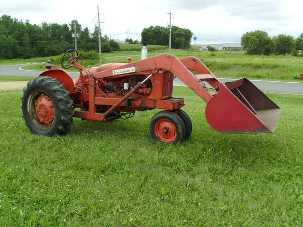Photo WD Allis Chalmers with loader - $2,800 (Clear Lake)