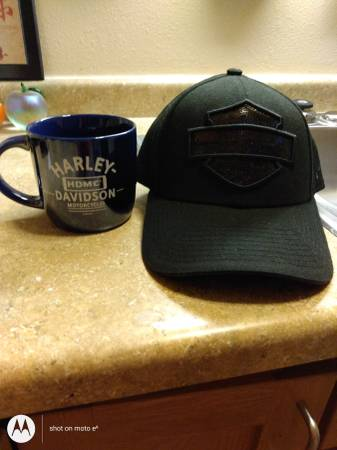 Photo Women39s new Harley Davidson baseball type hat and coffee mug - $15 (Rice Lake)