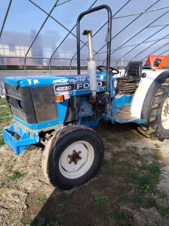 Photo 1996 Ford 4230 tractor for sale - $5,900 (Almond)