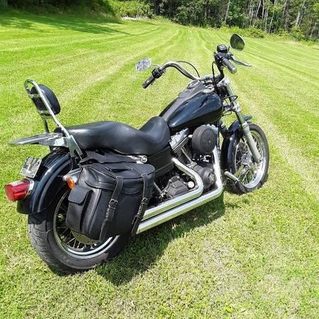 Photo 2006 Harley Dyna Street Bob - $5,700 (VanEtten)