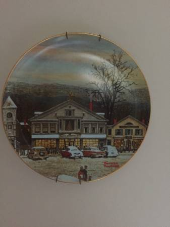 Photo 31 pc Norman Rockwell plates - $250 (N. Syracuse)
