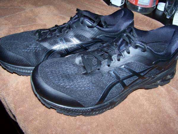 Photo Asics Kayano 26 Running Shoes Like New size 9.5 2E - $45 (Corning)