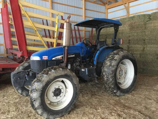 Photo Ford New Holland 120 hp Tractor - $22,500 (Middlebury Center)