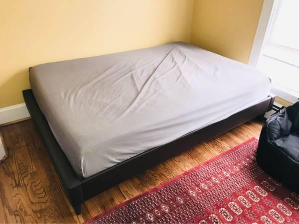 Photo Full Size Platform Bed Frame (no mattress) - $95 (West Elmira)