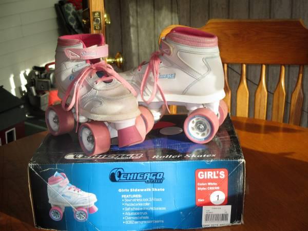Photo Girls Chicago youth roller skates - $10 (CORNING)