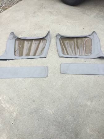Photo Jeep Wrangler YJ rear side windows and storage bags - $40 (Sayre)