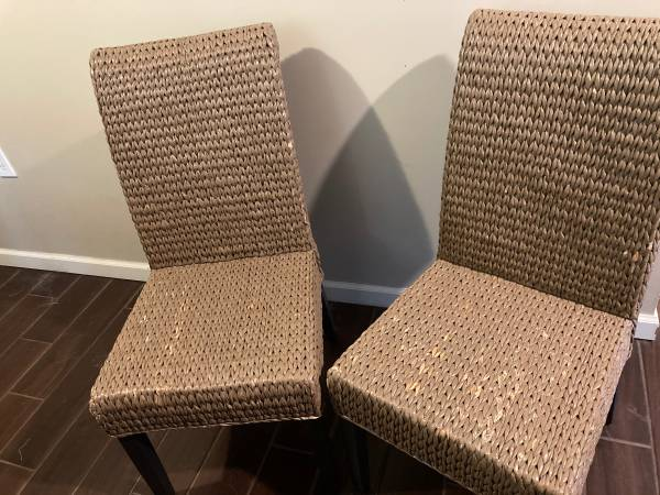 Photo Pier one wicker chairs - $75 (Corning)