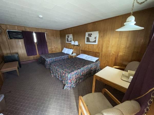 Photo Restaurant Equipment  Motel Furnishings Auction (5370 NY Rt. 233, Westmoreland, NY)