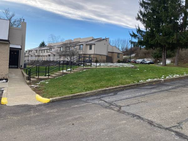Photo Spacious Newly Renovated Apartments for Rent (Mansfield)