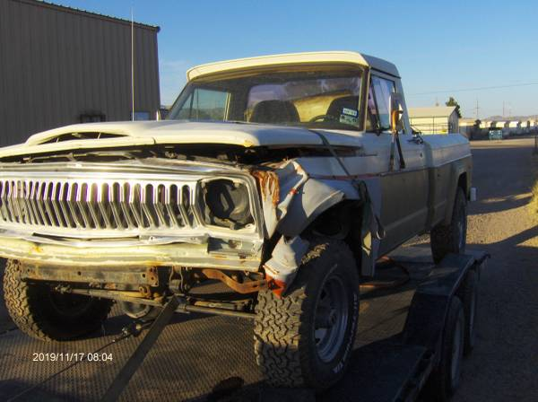Photo 1973 to 1981 Jeep AMC J 10 truck pick up 4x4 - $15 (Chaparral)