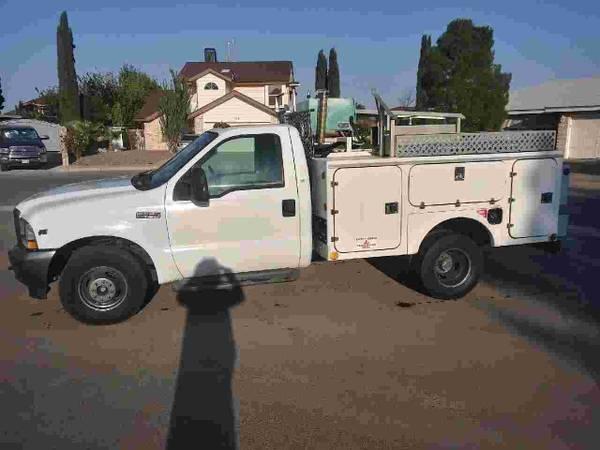 Photo 2004 Ford F350 Dually Utility Truck - $11,500 (Horizon City)