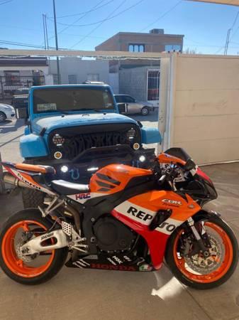 Photo $$2006 Honda CBR 1,000 $$$ - $4,650 (El Paso)