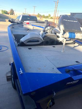 Photo 2007 BASS TRACKER BOAT - $7500 (El Paso TEXAS)