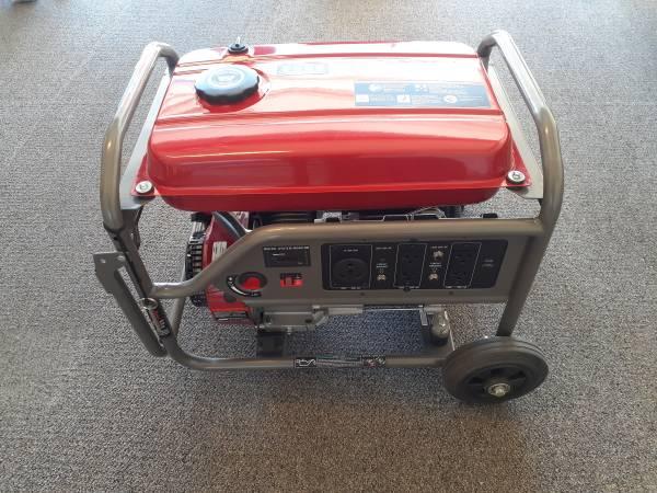 Photo Black Max 3,550-Watt Portable Gas Generator - $400 (West El Paso)