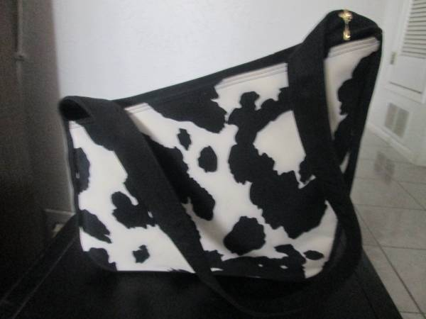 Photo Black and White spotted purse(new ) - $10 (northeast)