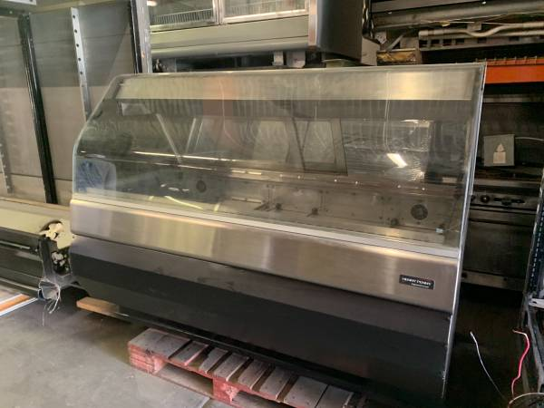 Photo COMMERCIAL HOT DISPLAY CASE - Large - $1,650 (El Paso)