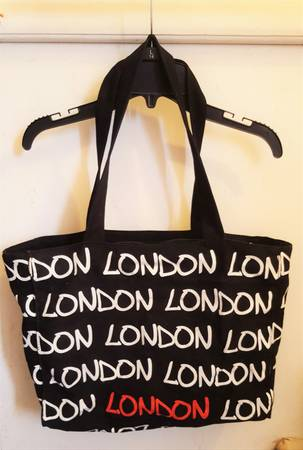 Photo Canvas Travel London Print Tote Bag Black with zipper - $5 (El Paso)