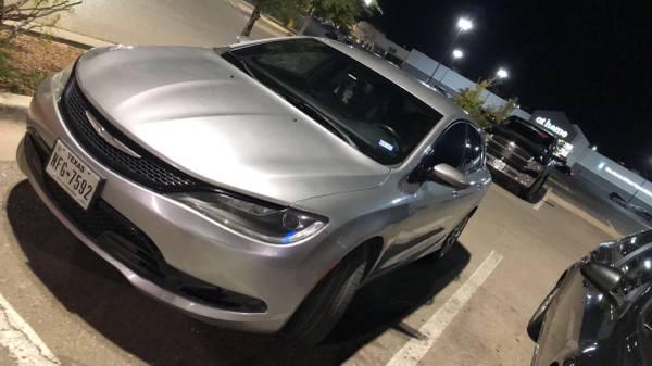 Photo Chrysler 200 SPORT - $5,000 (Anthony)