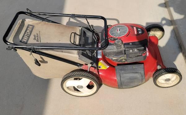 Photo Craftsman 6.5 HP lawn mower - $275 (El Paso)