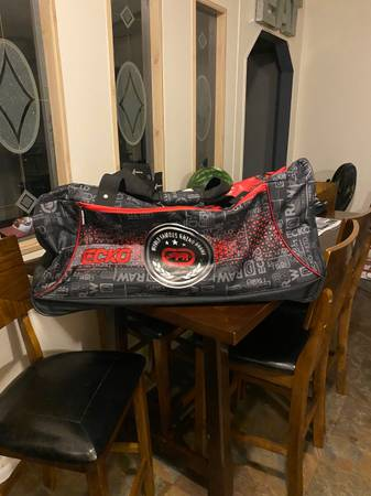 Photo ECHO Duffle Bag Carry or Roll Brand New Blue or Red - $30 (Far West)