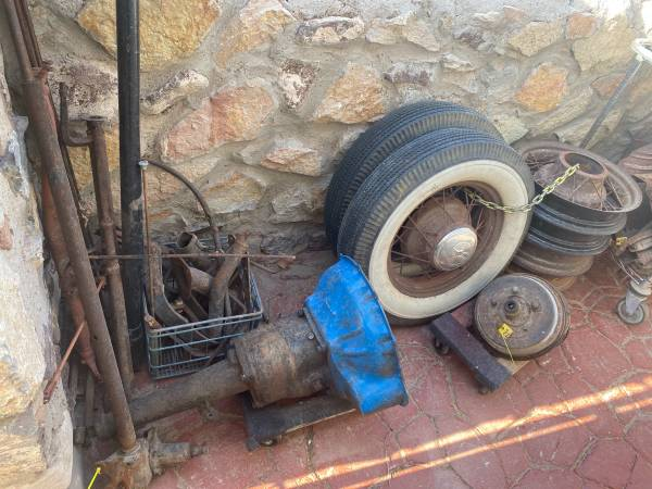 Photo Ford Model A 1928 1929 1930 1931  V8 Flathead Parts - $1 (West)