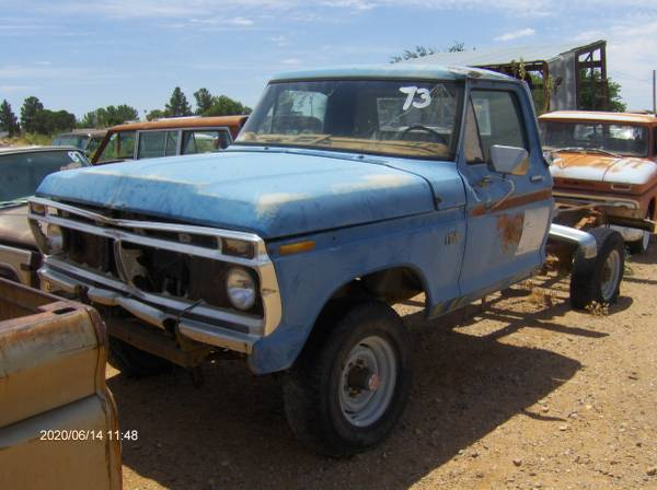 Photo Ford truck or pick up 1968 to 1979 F250 F150 4x4 parts - $10 (chaparral)