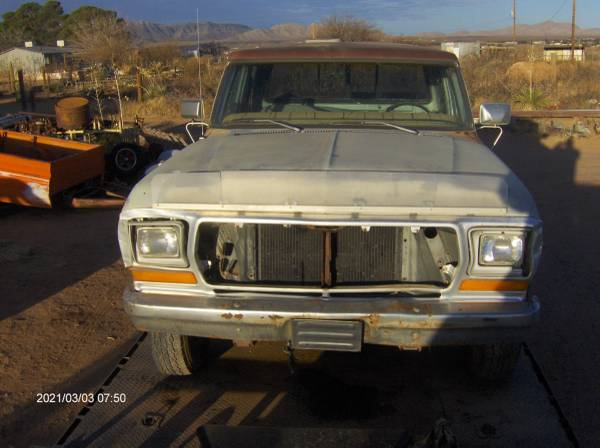Photo Ford truck or pick up parts 1968 to 1979 F 250 F 150 bronco 4x4 parts - $10 (chaparral)