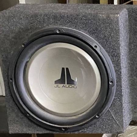 Photo JL Audio bass with box and app - $320 (EL PASO)