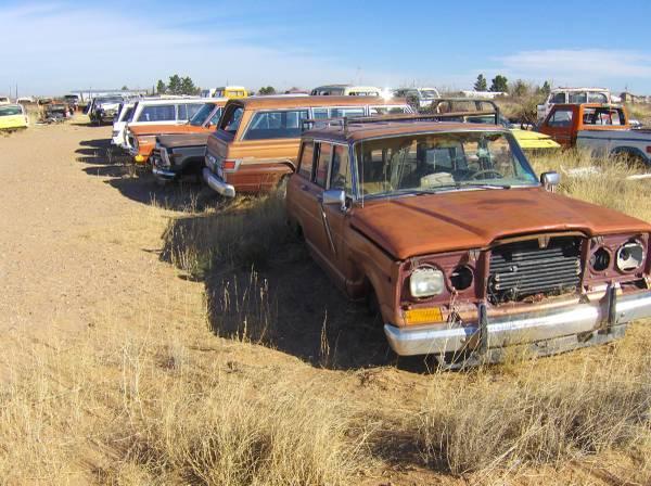 Photo Jeep jeep AMC wagoneer cherokee parts axles trannys body motor - $25 (chaparral)