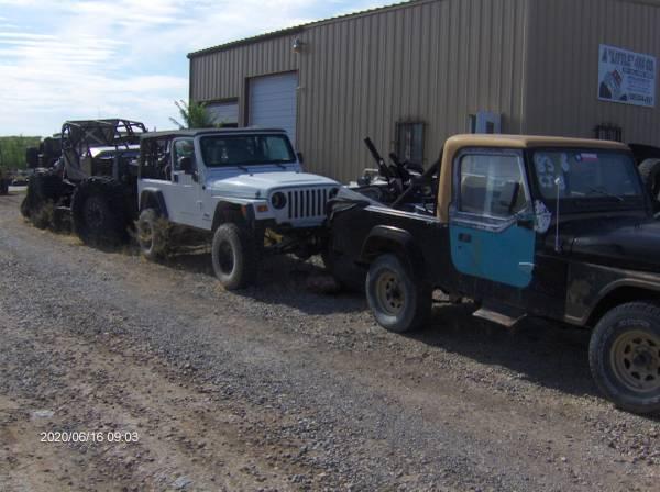 Photo Jeep jeep parts axle transmission tranny lift kits ect. - $10 (chaparral)