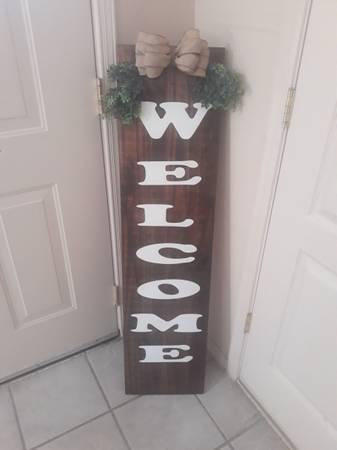 Photo Outdoor Welcome wood sign - $40 (El Paso)