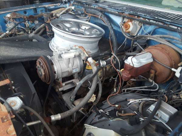 Photo Parting out 1985 Ford Dually (Horizon City)