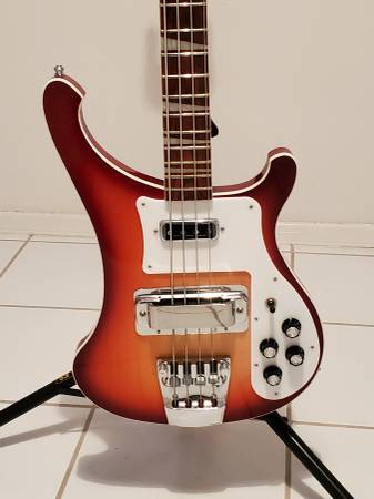 Photo Rickenbacker 4003 Bass Fireglow - $1150 (Horizon City)