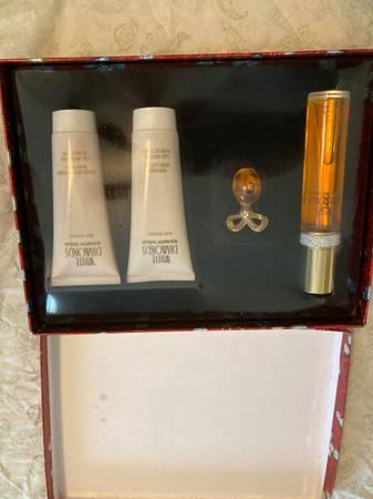 Photo White Diamond Perfume - $25 (El Paso)