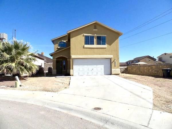 Photo coming soon 4 bed, 2.5 bath, 1814 sq ft, Cul de Sac RV lot, Ref. Air (El Paso 79938)