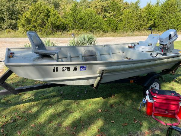 Photo 14 foot Jon boat with a 25horse Jonson - $3,000 (Sand Springs)