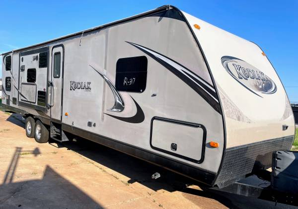 Photo 2013 Dutchman Kodiak 300BHSL bumper pull with 3 slides, 30 ft - $12,900 (Oklahoma City)