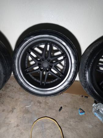 Photo 22in 6 lug Chevy - $500 (Greenville)