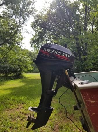 Photo 9.9 mercury outboard motor - $1,200 (Thunderbird lake area)