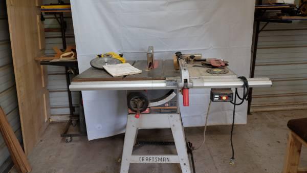 Photo Craftsman Table saw - $100 (Fairmont)