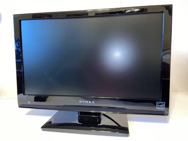 Photo Dynex 19-inch HD TV with Remote - $35 (Oklahoma City)